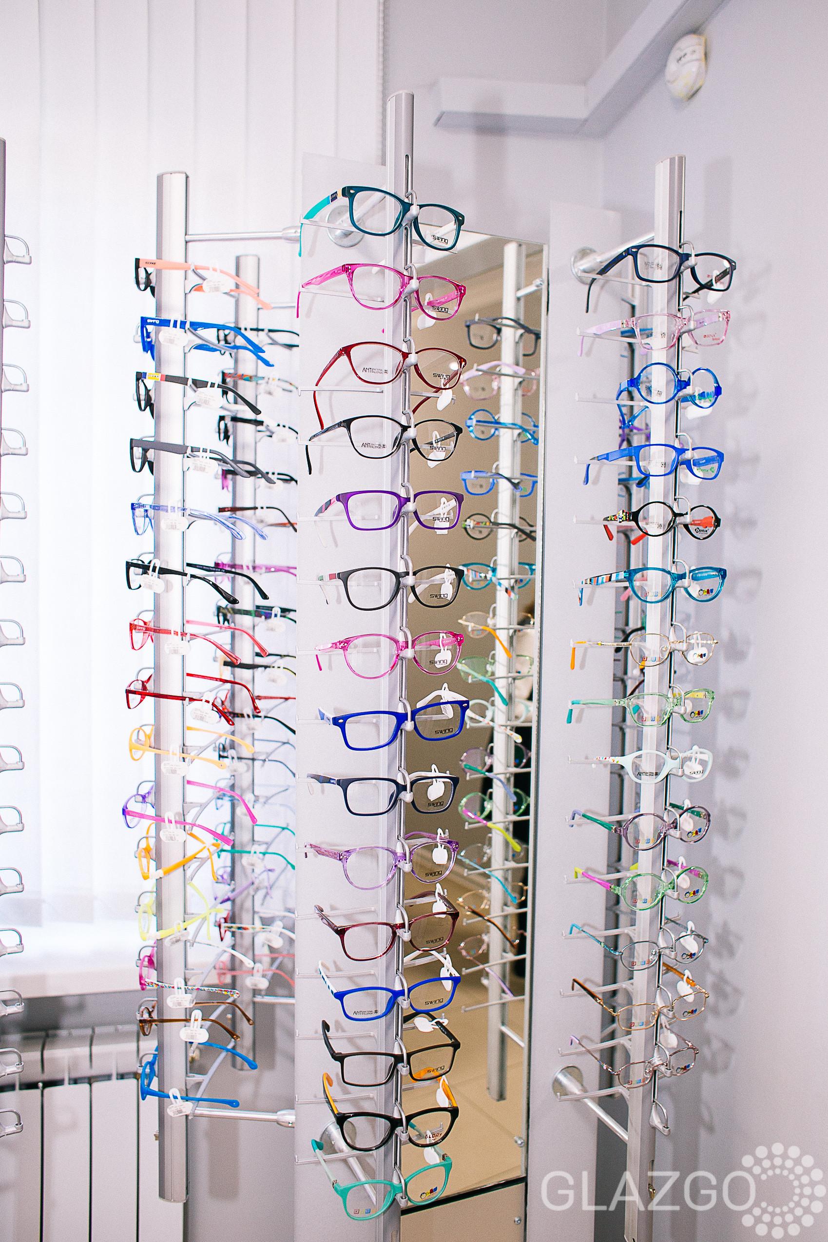 Очки, линзы, оправы в клинике зрения в Вишневом
