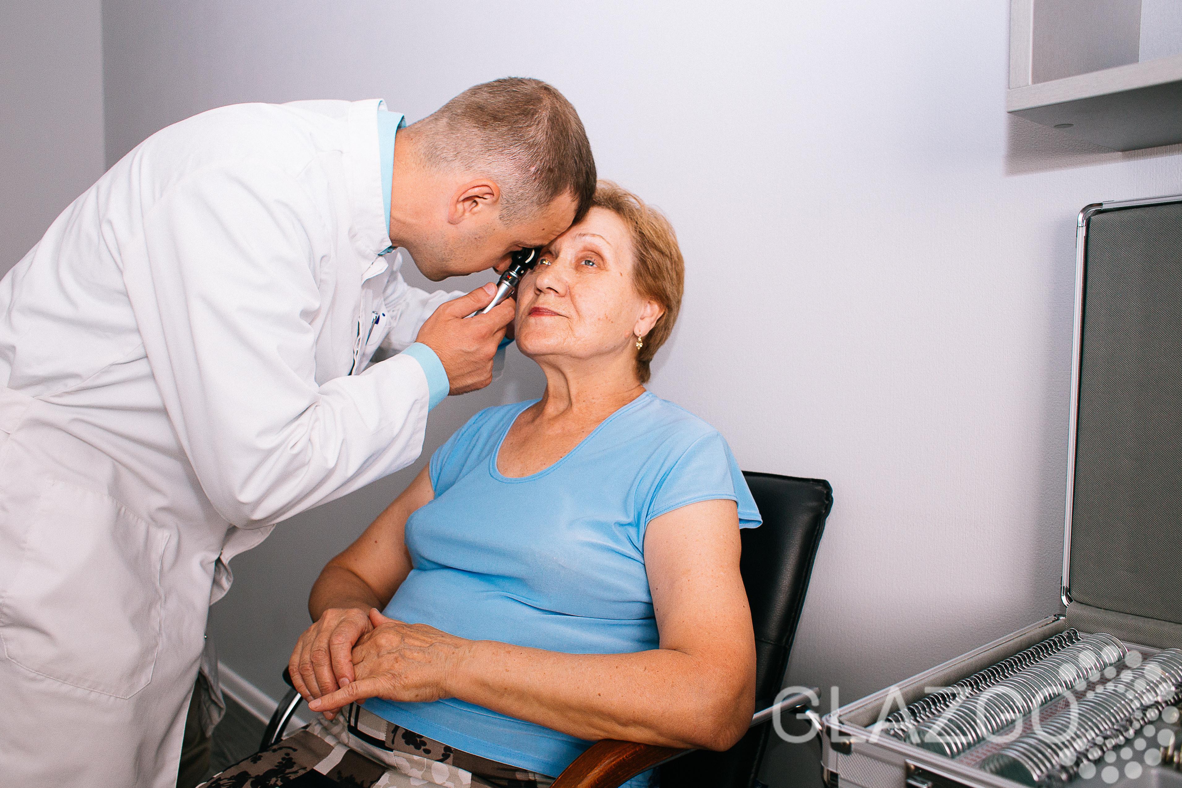 Офтальмолог-окулист